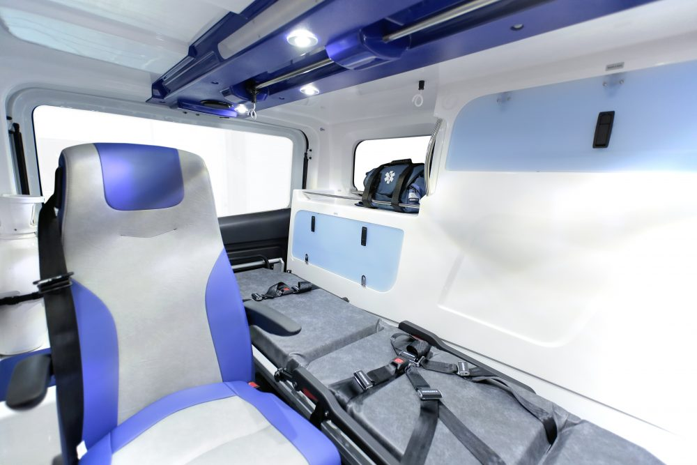 gifa-ambulances_06_renault-trafic_polaris_media9